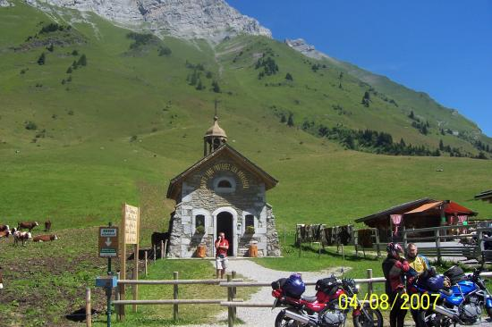 chapelle col de ARAVIS